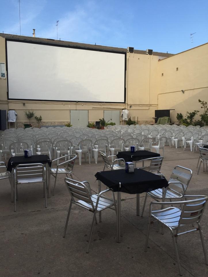 Cine de verano en la terraza del teatro flumen 2016 for Cine las terrazas