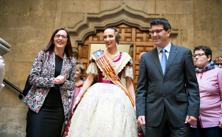 Recepción falleros de la provincia en Diputación foto_Abulaila (1).jpg