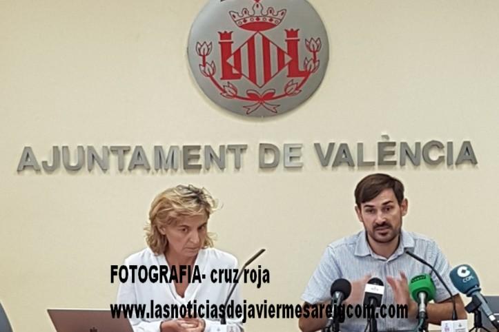 Amparo Pérez y Sergi Campillo en rueda de prensa