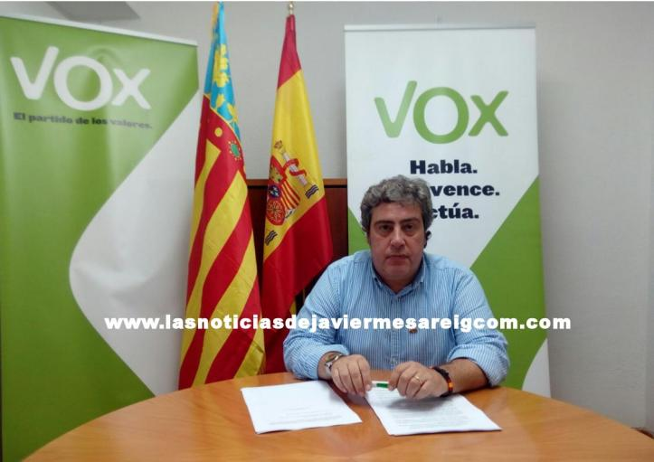 JoséMaríaLlanos_FirmadeEscritosparalos Ayuntamientos (1)