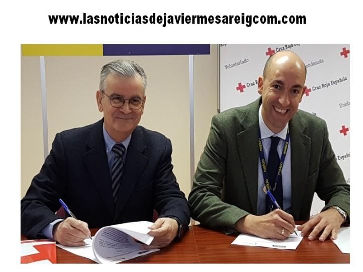 Rafael Gandía y Manuel Sierra firman el convenio Cruz Roja y Makro