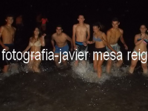 valencia-celebro-multitudinaria-noche-juan-2015_15_2264107